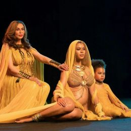 Beyonce with mother and daughter